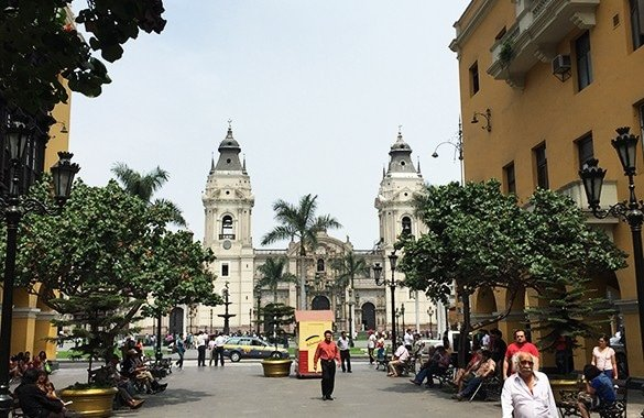 ColonialDowntownPeru